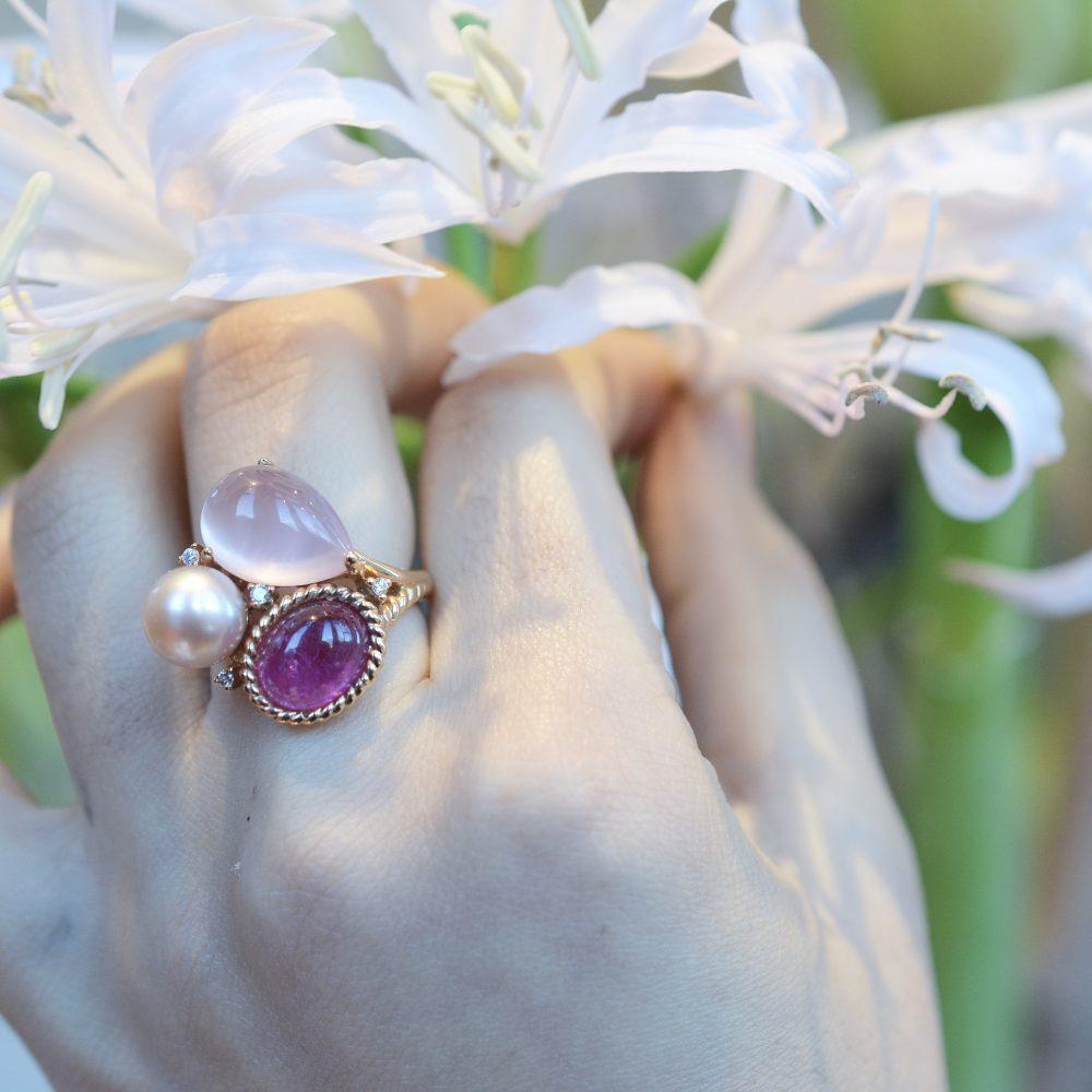 Bloemen en juwelen