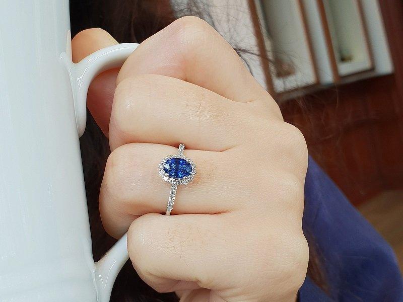 sapphire ring diamond